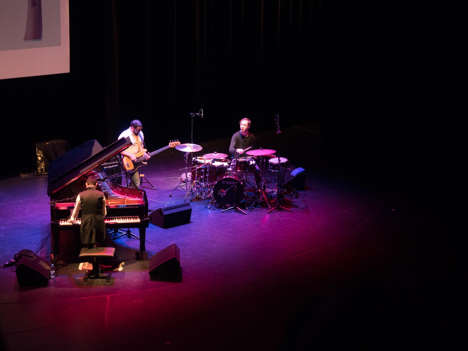Tigran Hamasyan Trio (Jazzfest Berlin 2015). Foto: Martin Hufner